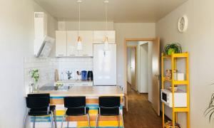 Мини-кухни. 3 воплощенных идеи с фотографиями (выпуск 1)