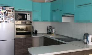 Три реальных кухни-гостиных — своими руками