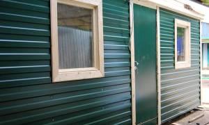 Как правильно рассчитать материал и обшить дом профлистом